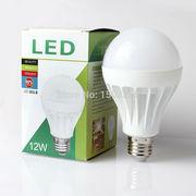 Купите  лампу светодиодную. Цоколь: Е27. Мощность: 9,  12,  15 Ватт,  Тип